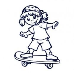 Samolepka dítě v autě se jménem- holka na skateboardu